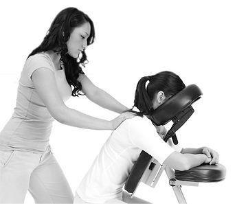 Massage assis sur chaise ergonomique