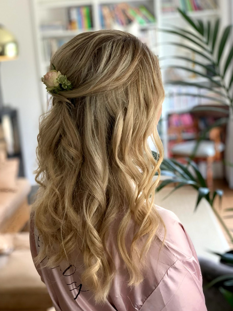 Half up half down, curls, fresh flowers, bride or bridesmaid