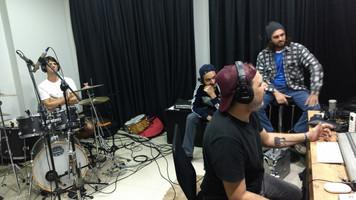 A banda Grajagan assina com a PlugAi Produtora e já prepara trabalho para o próximo semestre
