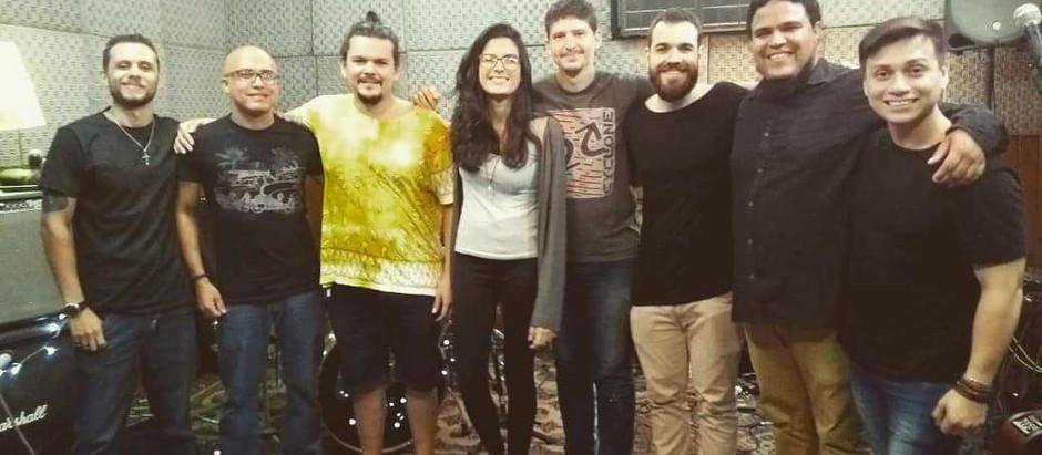 Maçã de Cesto e Gon participam do Sarau Solidário da Gota de Leite