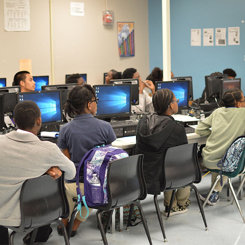 Miami Mobile App Lab Students Prepare to Develop Apps for First Non-profit Client
