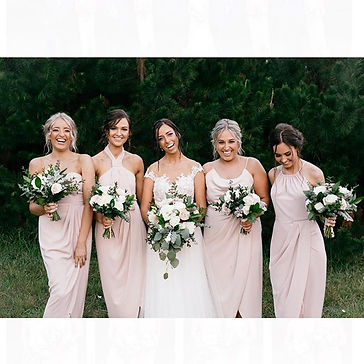What a #BridalSquad 🙌🏼 Stunning Bridal
