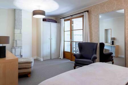 edroom 1, terrace doors