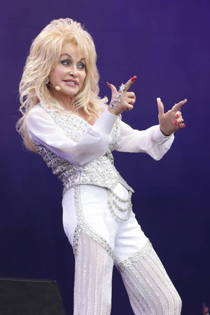 festival fashion glastonbury style throwback dolly parton