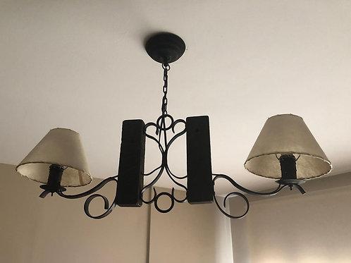 Lámpara de techo en hierro y madera
