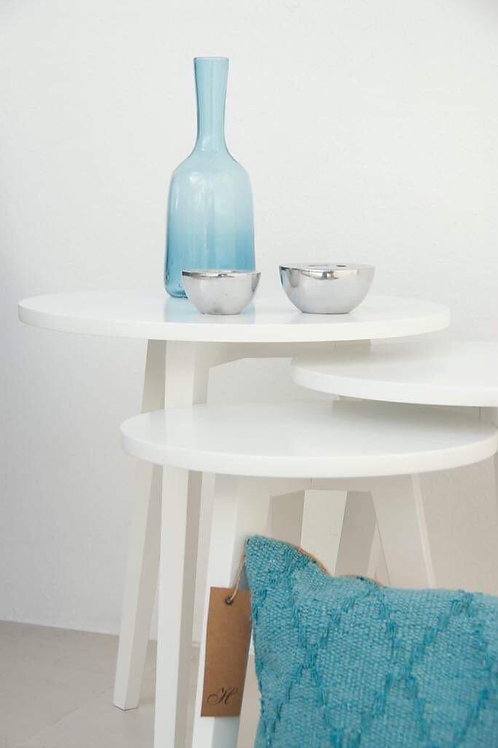 Mesa chica blanca laqueada