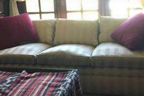 Sofá de 3 cuerpos tapizado
