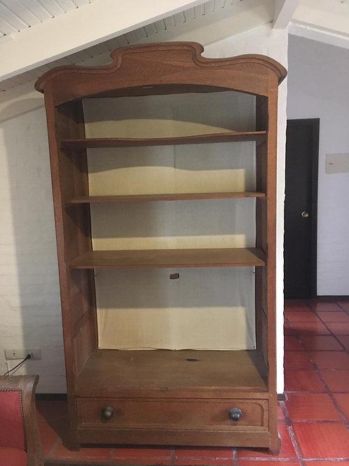 Mueble en madera de roble con estantes y cajón