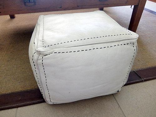 Puff tapizado cuero blanco