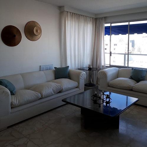 Mesa de living en mármol negro