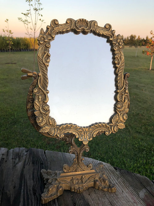 Espejito de tocador en bronce