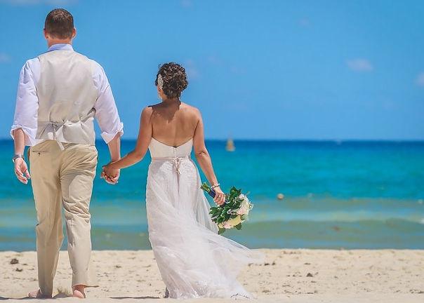 Sandos Beach couple_edited.jpg