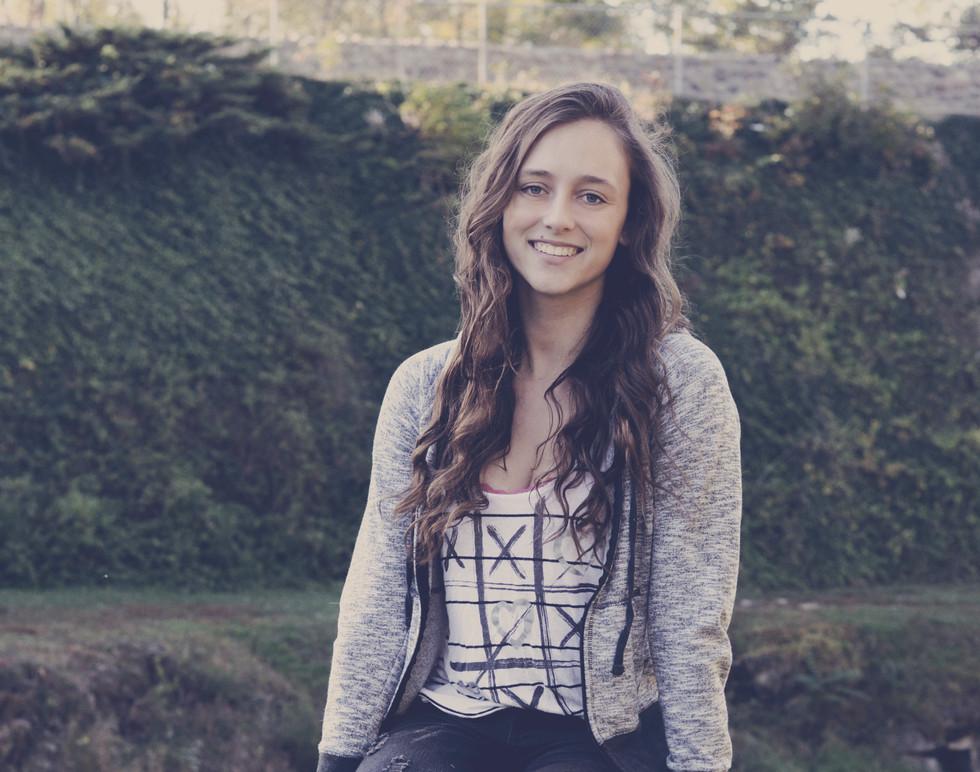 Senior Pictures Girl2.jpg
