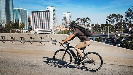 yamaha_urbanrush_scene_riding-bridge.jpg