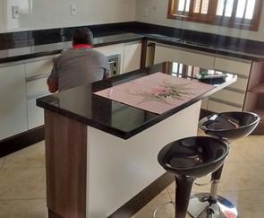 cozinha planejada em montagem