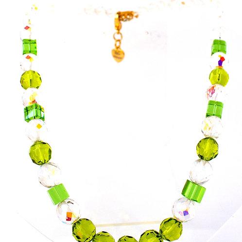 Colar de cristais verdes