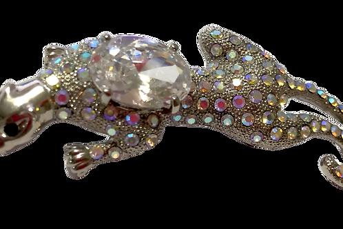 Broche de pantera prateada com cristal