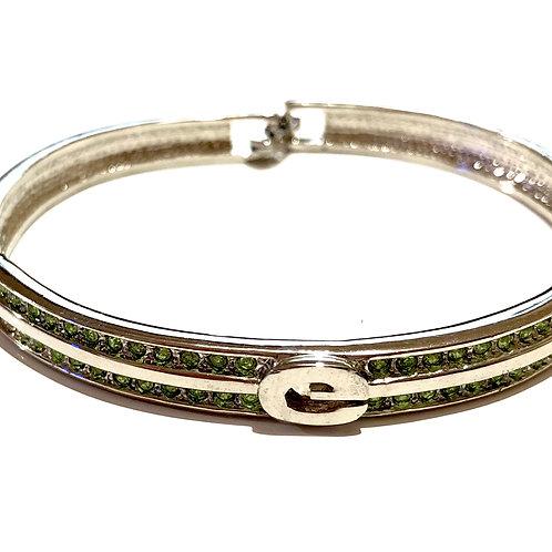 Bracelete prateado com strass verdes