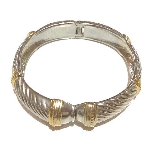 Bracelete prateado e dourado