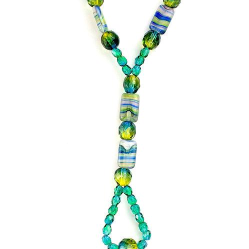 Colar de cristais verdes com azuis
