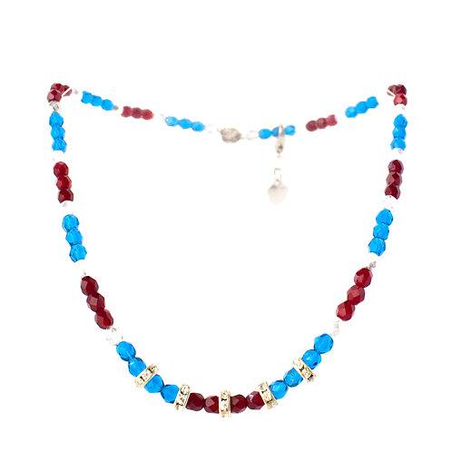 Colar de cristais azuis e vermelhos