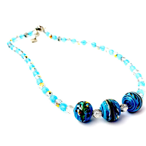 Colar de cristais azuis e muranos