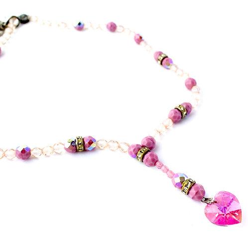 Colar de cristais rosas com coração