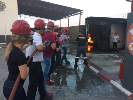 Primeiro dia de treinamento de brigada de incêndio Casas Bahia/ Via Varejo
