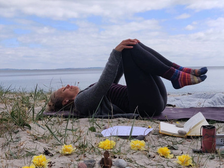 Fra strandyoga til indendørs yoga