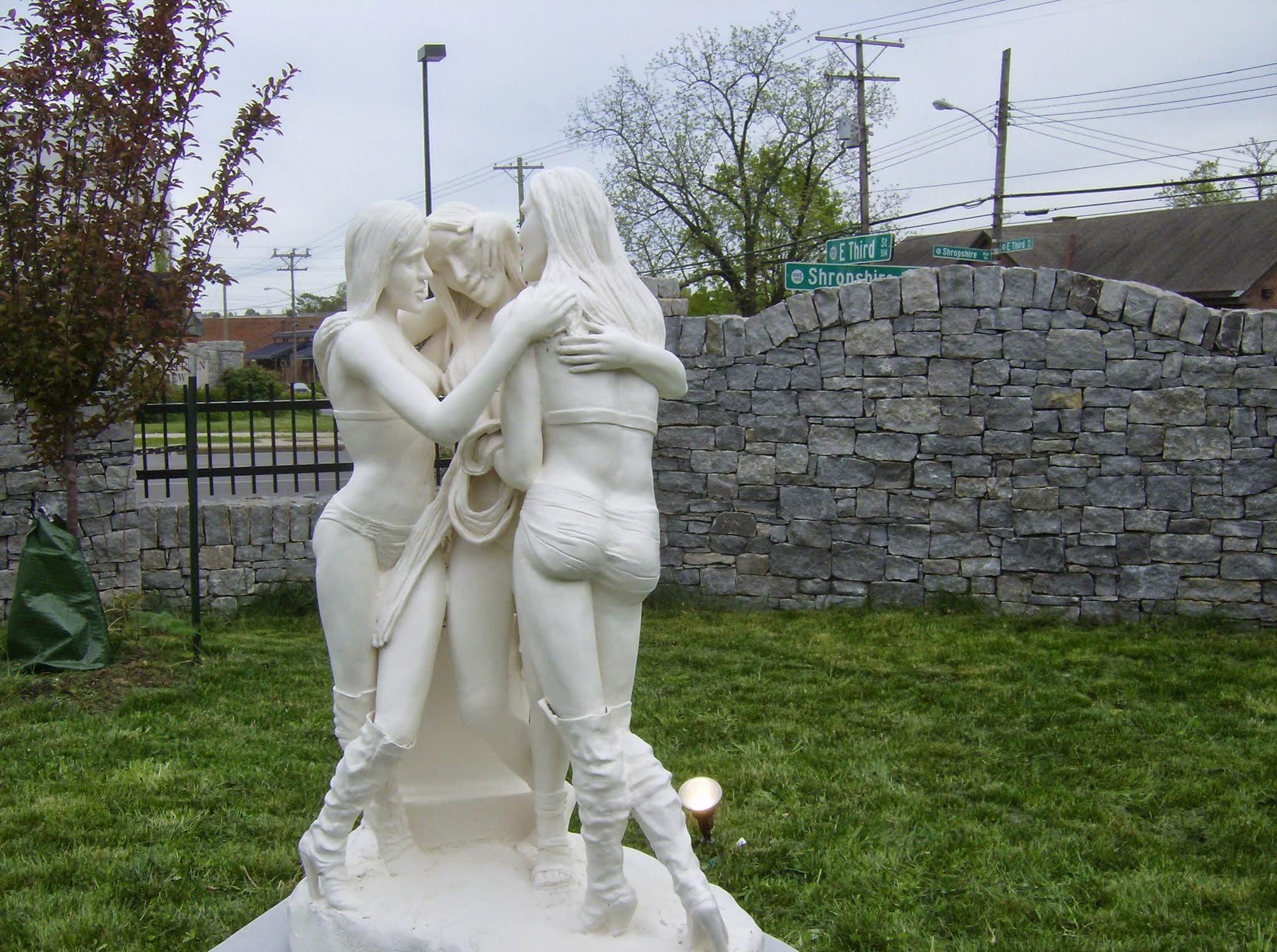 Sarah Hahn Sculpture Kardashians 8