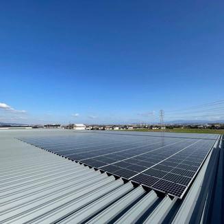 スーパーコンボ嘉島上島店 太陽電池容量:379.20kW 年間予測発電量:451,170kWh