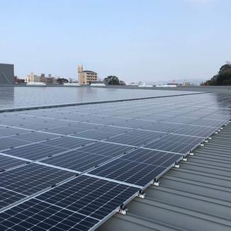 スーパーコンボ大在店 太陽電池容量:379.20kW 年間予測発電量:437,468kWh