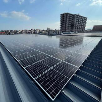 スーパーコンボ明野店 太陽電池容量:379.20kW 年間予測発電量:429,013kWh
