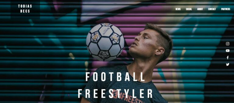 FOOTBALL FREESTYLER