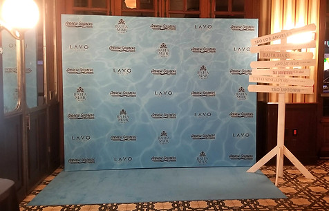 Underwater Style Step & Repeat!