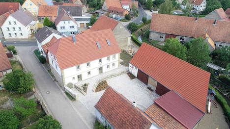 Historisches Hofgelände mitten im Dorfzentrum