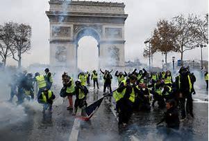 Las llamas de Paris sofocan a la Unión Europea