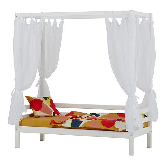 παιδικό κρεβάτι με ουρανό από ξύλο σε λευκή βαφή