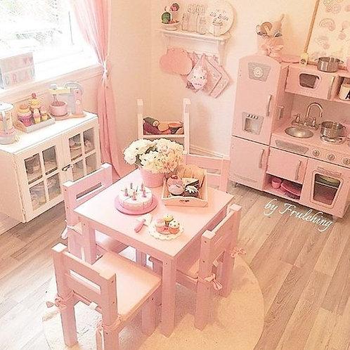 μασίφ ξύλινα τραπεζάκια για παιδιά σε πολλά χρώματα λάκας κατάλληλα για το σπίτι ή τον παιδικό σταθμό