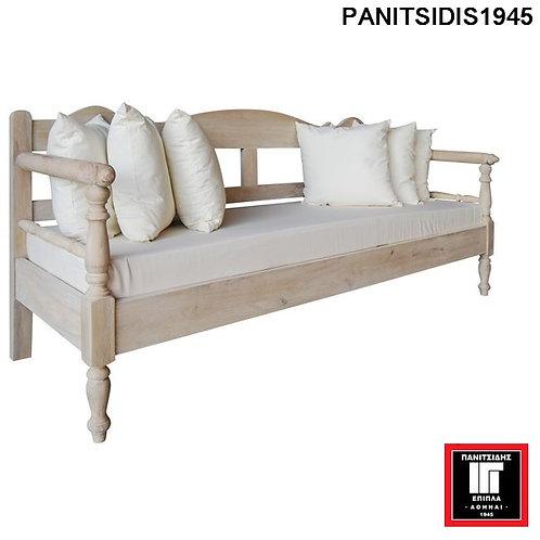 τριθέσιος ξύλινος καναπές σε λευκή antique βαφή
