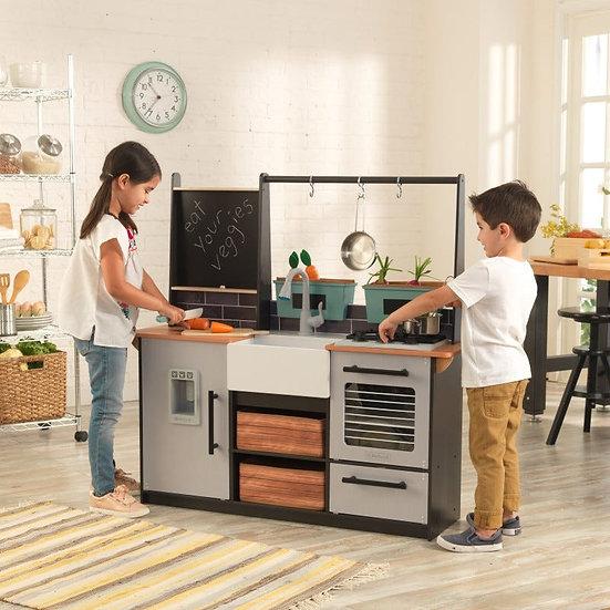 Παιδική ξύλινη κουζίνα