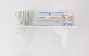ράφι παιδικού δωματίου από ξύλο σε λευκό χρώμα