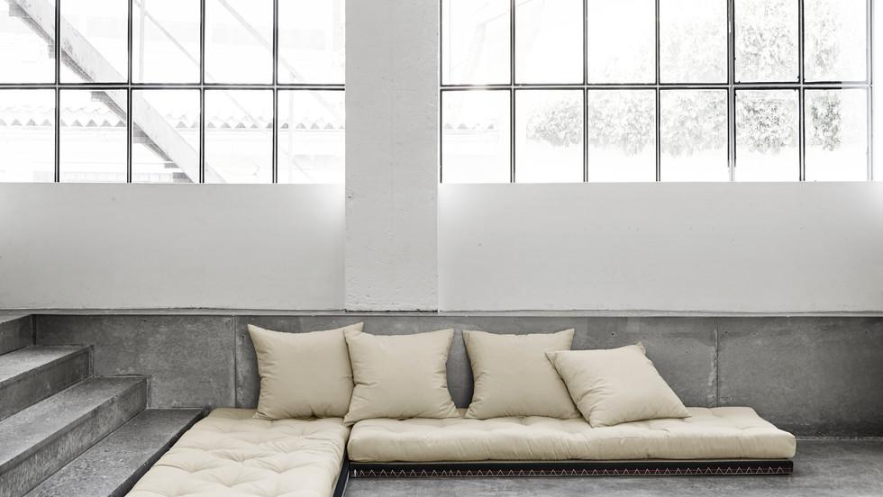 γωνιακός καναπές κρεβάτι με στρώματα φουτόν