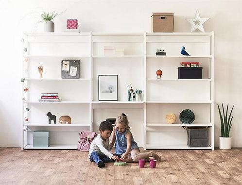σύστημα παιδικής νεανικής βιβλιοθήκης με γραφείο από ξύλο σε λευκό ξύλο