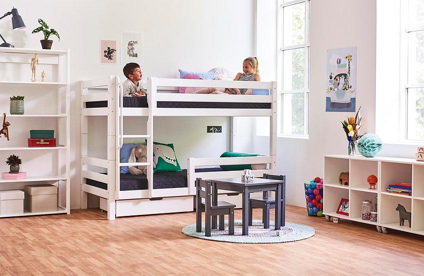διπλή κουκέτα από μασίφ ξύλο σε λευκό χρώμα νερού, για στρώμα 90Χ200.Τα κρεβάτια διαχωρίζονται.