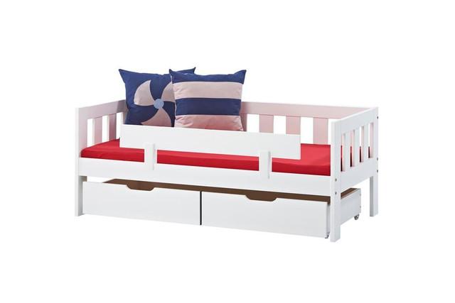 Παιδικός καναπές κρεβάτι.