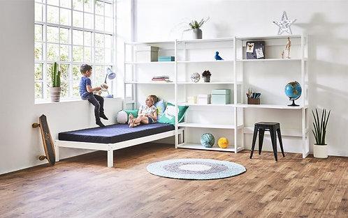 σύνθεση παιδικής βιβλιοθήκης, με γραφείο και μονό κρεβάτι