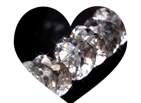 あなたにも見てほしいハート💛の形をした水晶