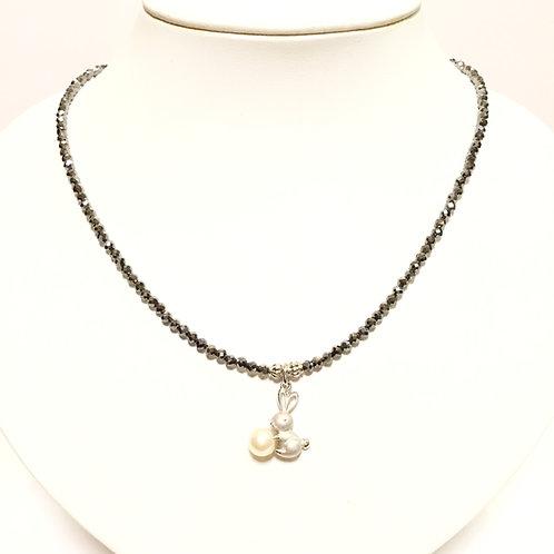 SV925 本真珠付きうさぎちゃん・テラヘルツネックレス