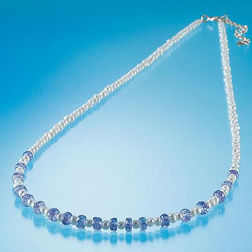 美しい宝石タンザナイトと淡水パールネックレス